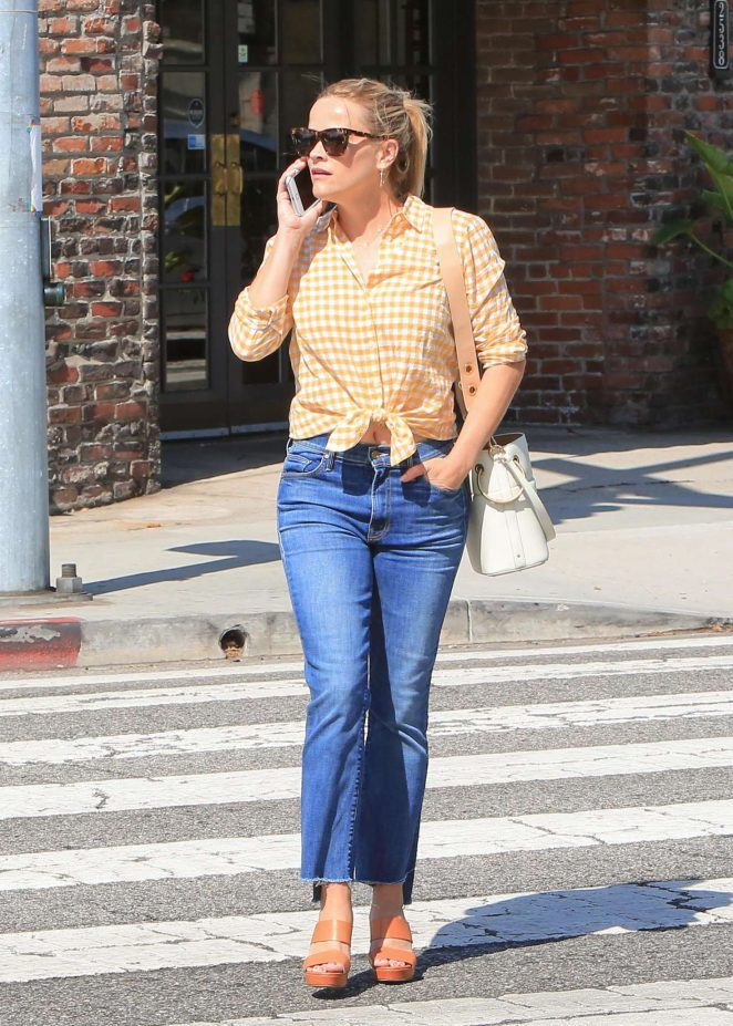 Reese Witherspoon in Jeans -05
