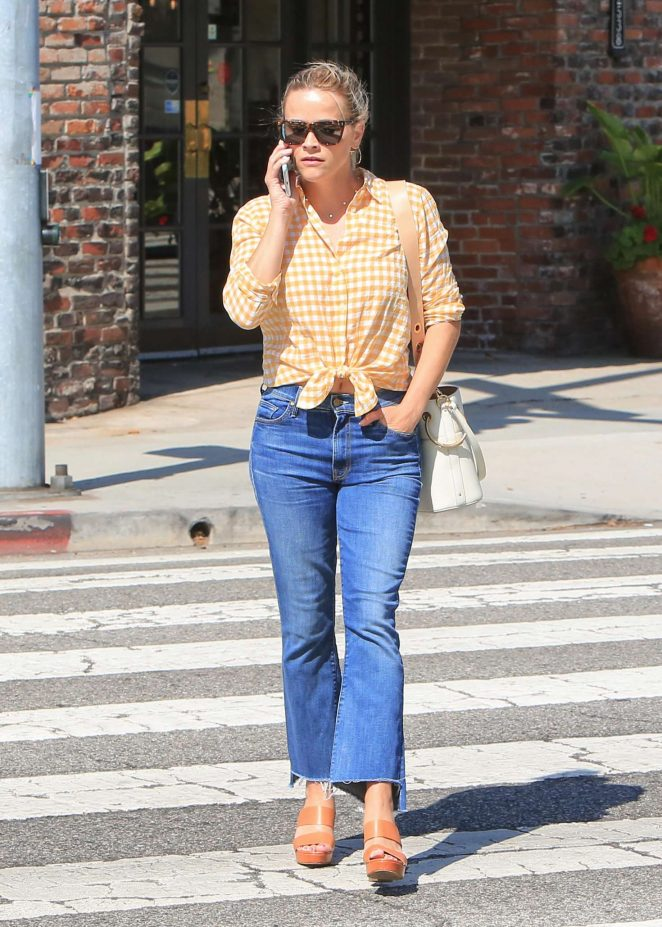 Reese Witherspoon in Jeans -06