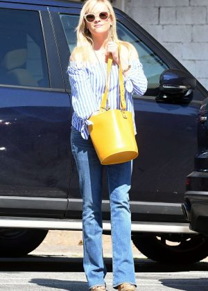 Reese Witherspoon in Jeans out shopping in Beverly Hills