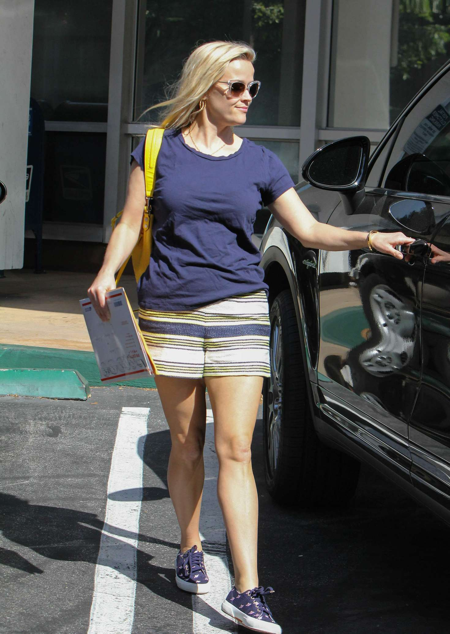 reese witherspoon in shorts out in los angeles � gotceleb