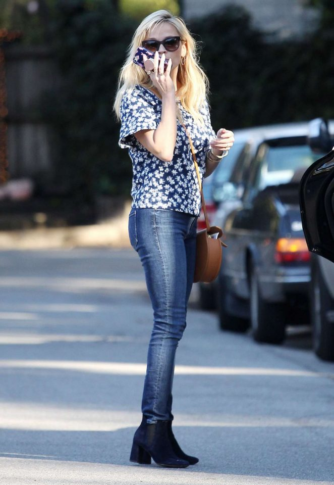 Reese Witherspoon in Skinny Jeans Out in Brentwood