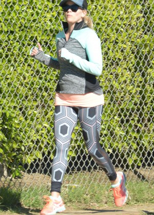 Reese Witherspoon in spandex jogging in Los Angeles