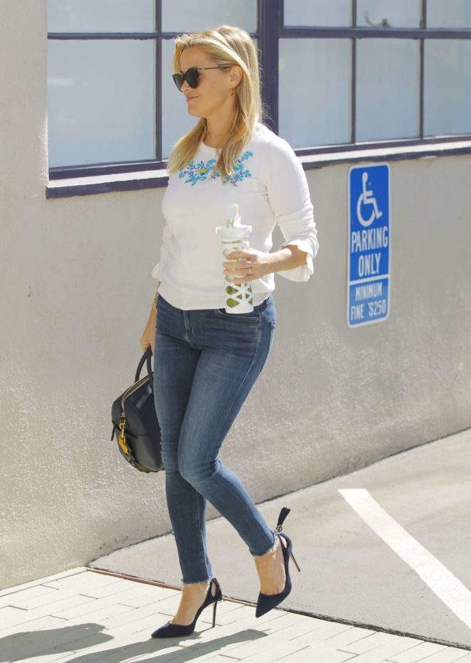 Reese Witherspoon - In Tight Jeans going to her office in Santa Monica
