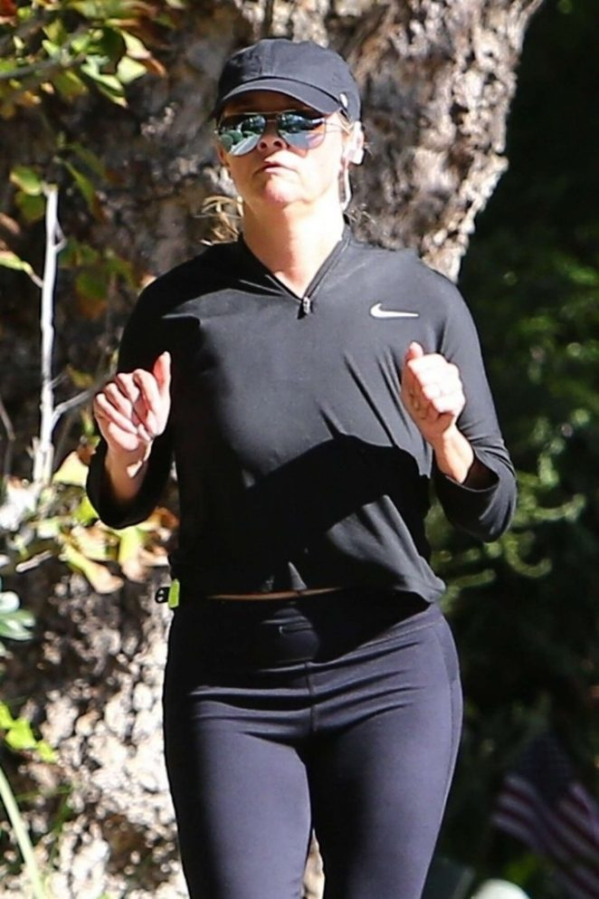 Reese Witherspoon in Tights - Jogging in Santa Monica