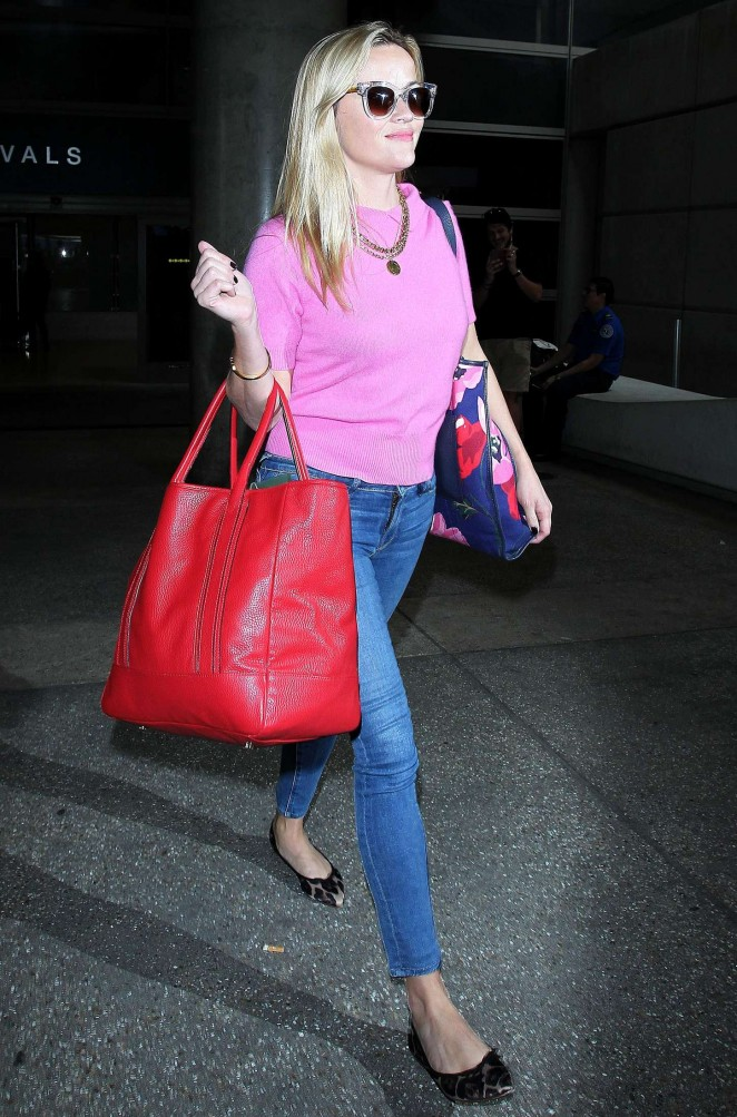 Reese Witherspoon - LAX airport in Los Angeles