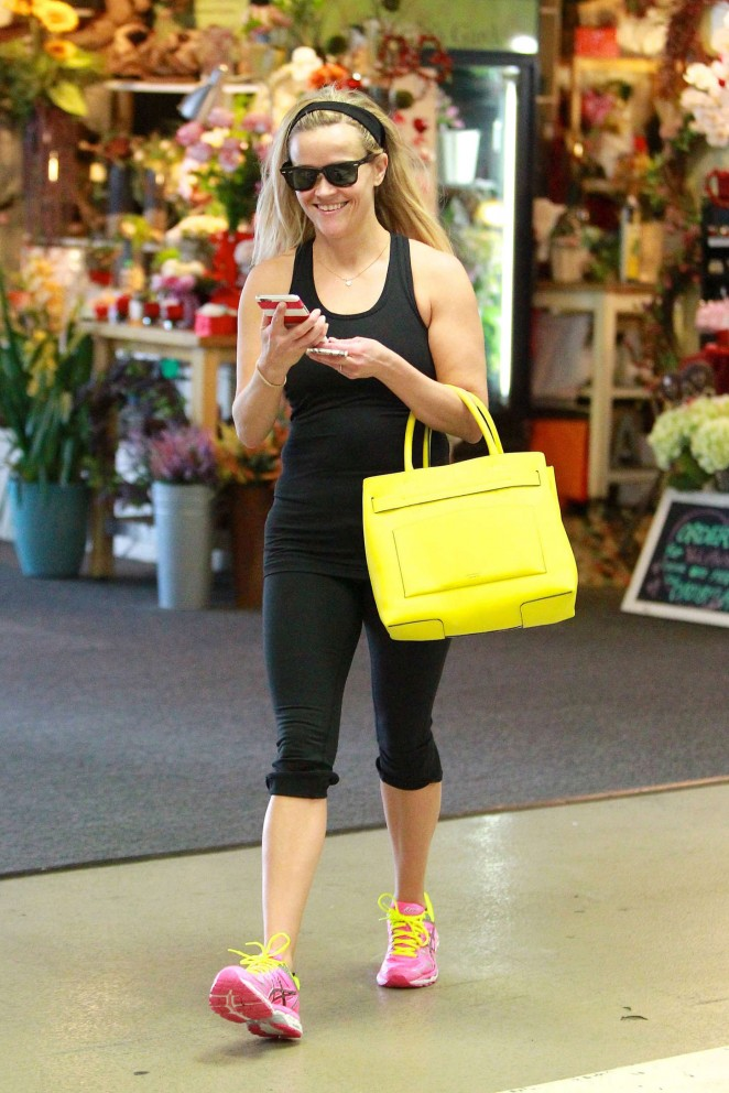 Reese Witherspoon in Black Tights -04