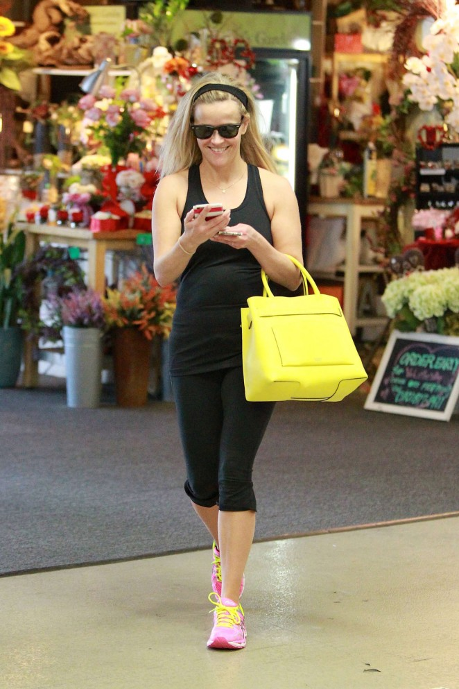 Reese Witherspoon in Black Tights -19