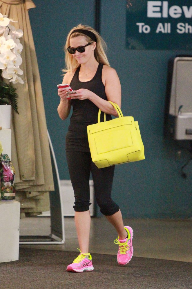 Reese Witherspoon in Black Tights -21