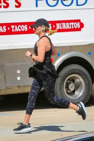 Reese Witherspoon - Looks sporty while jog in Brentwood