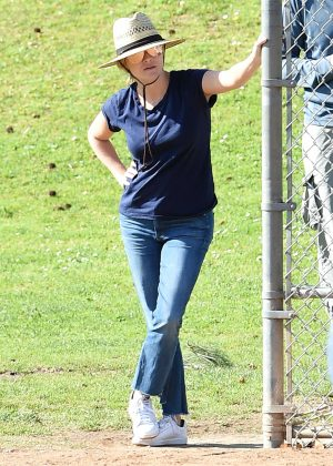 Reese Witherspoon on Baseball game in Los Angeles