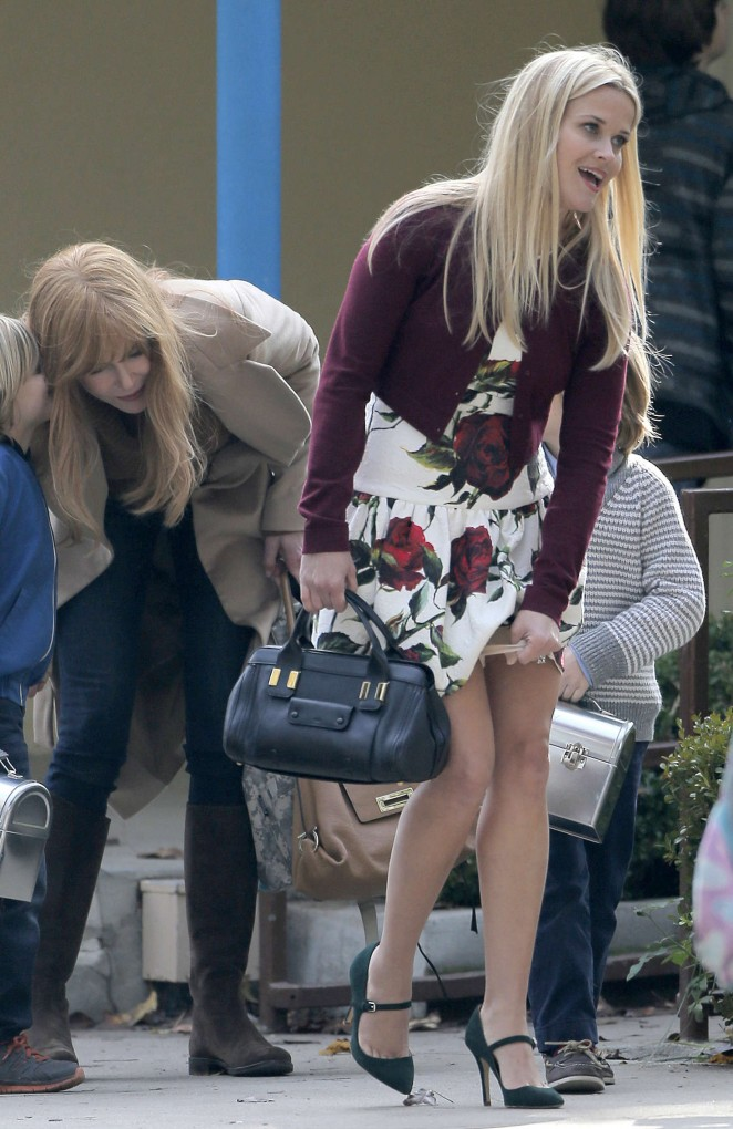 Reese Witherspoon on set of 'Big Little Lies' in Los Angeles