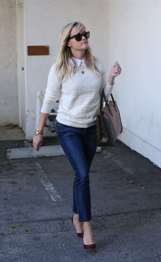 Reese Witherspoon – Out and about in California