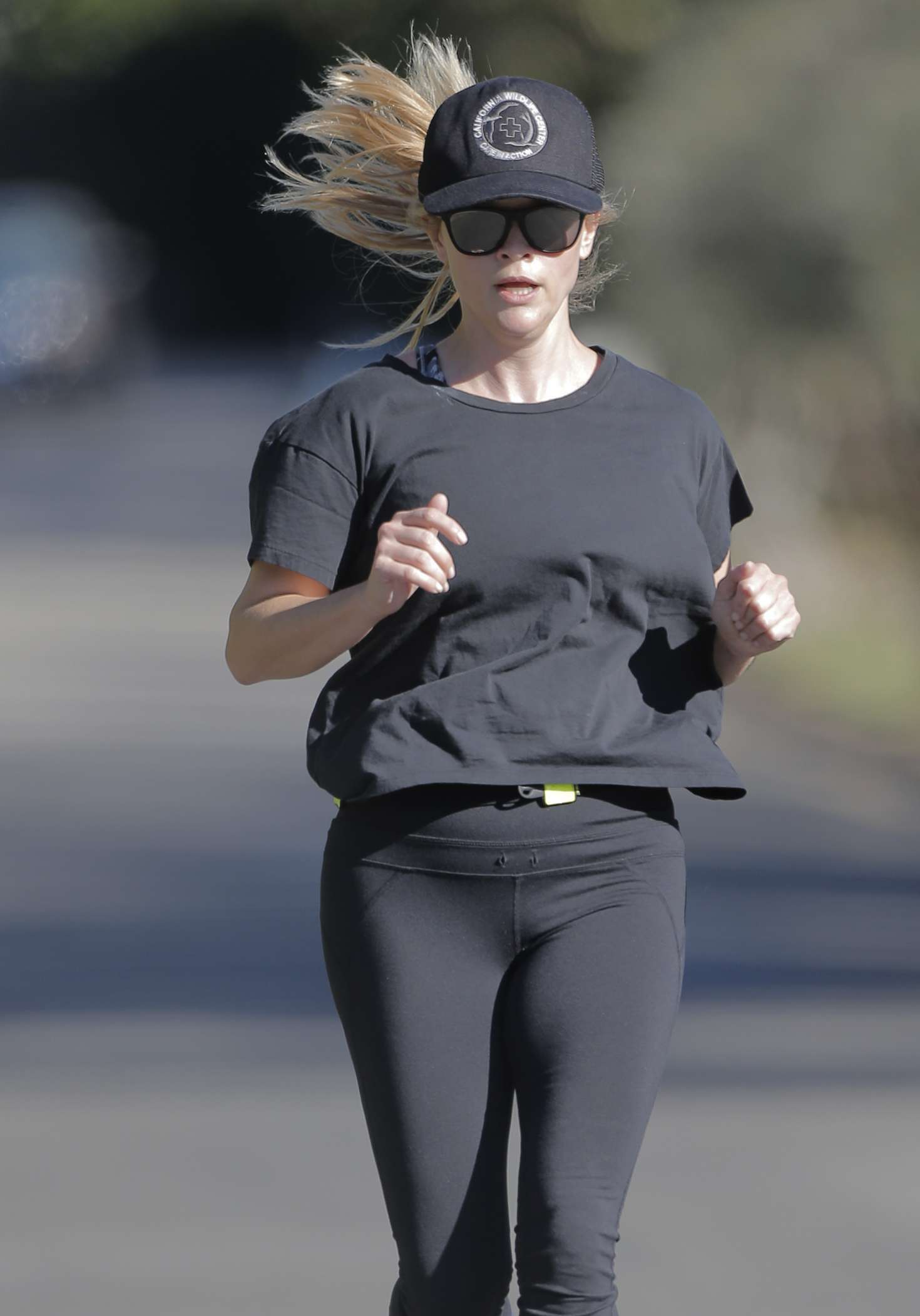 Reese Witherspoon 2016 : Reese Witherspoon out for a jog in Brentwood -05