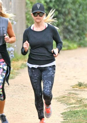 Reese Witherspoon - Out for a jog in Brentwood