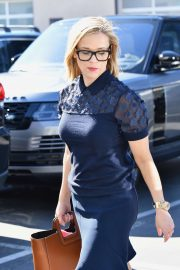 Reese Witherspoon - Out in black framed glasses in Brentwood