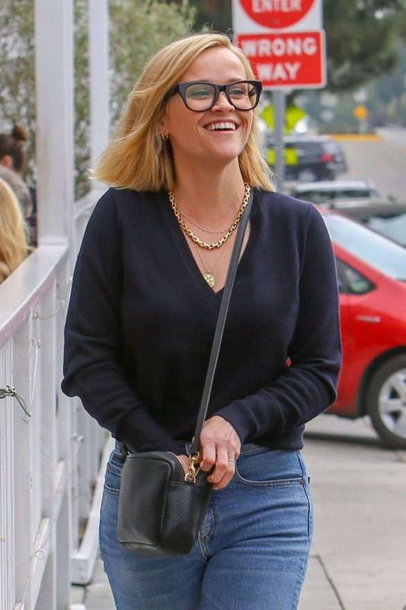 Reese Witherspoon - Out in Brentwood