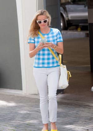 Reese Witherspoon - Out in LA