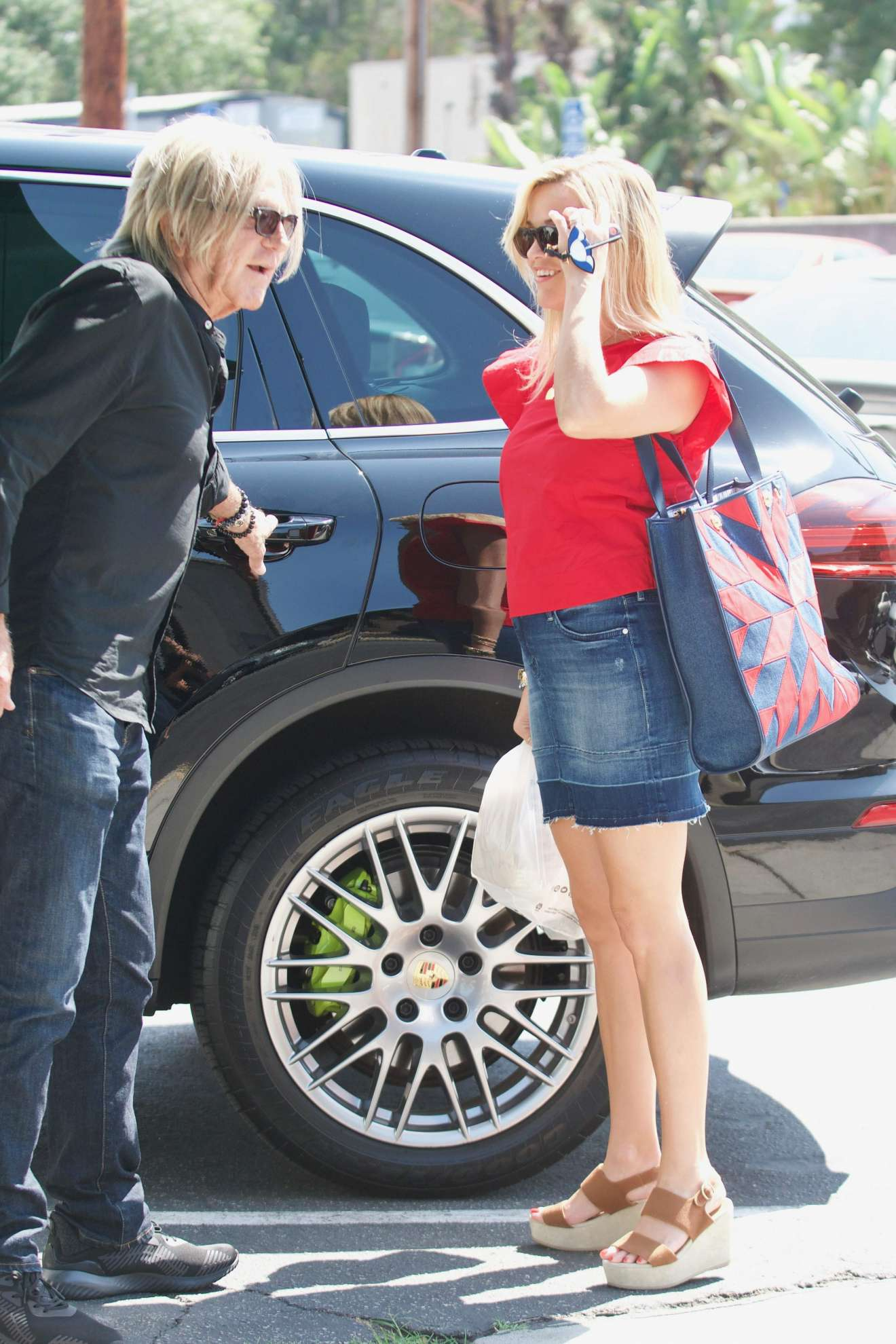 Reese Witherspoon 2017 : Reese Witherspoon: Out in Los Angeles-02