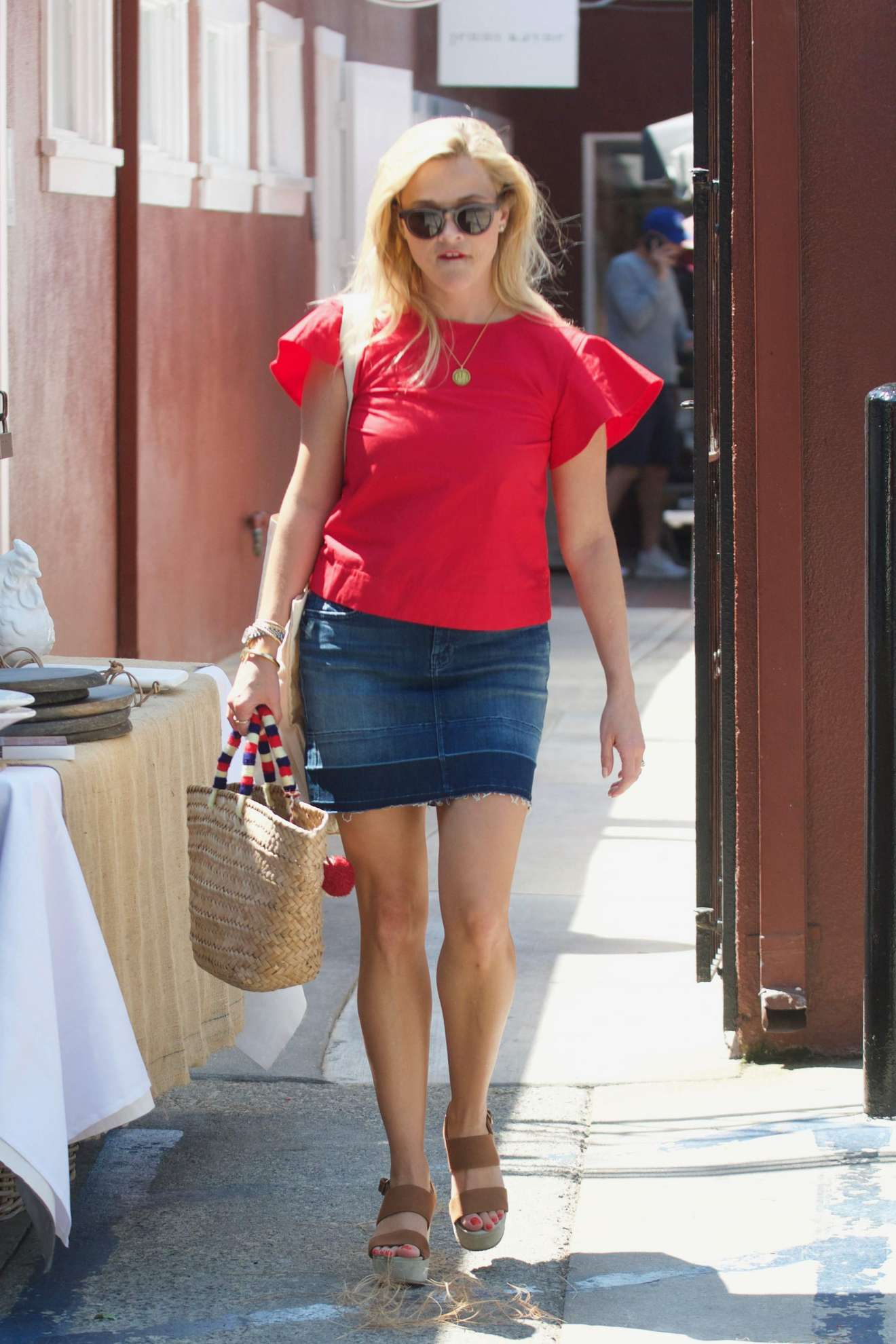Reese Witherspoon 2017 : Reese Witherspoon: Out in Los Angeles-09
