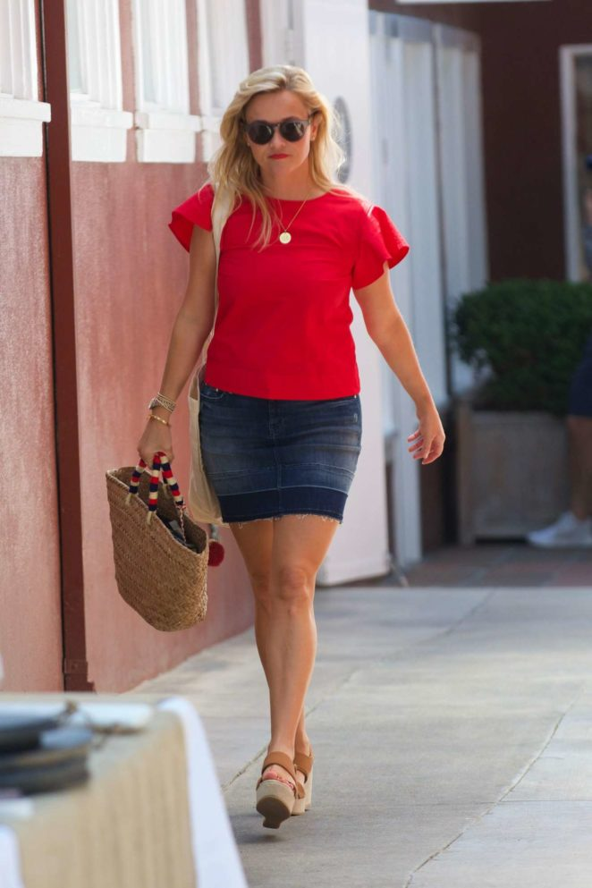 Reese Witherspoon 2017 : Reese Witherspoon: Out in Los Angeles-12