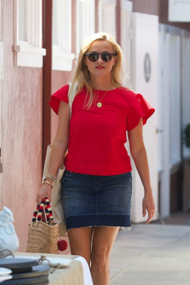Reese Witherspoon 2017 : Reese Witherspoon: Out in Los Angeles-19