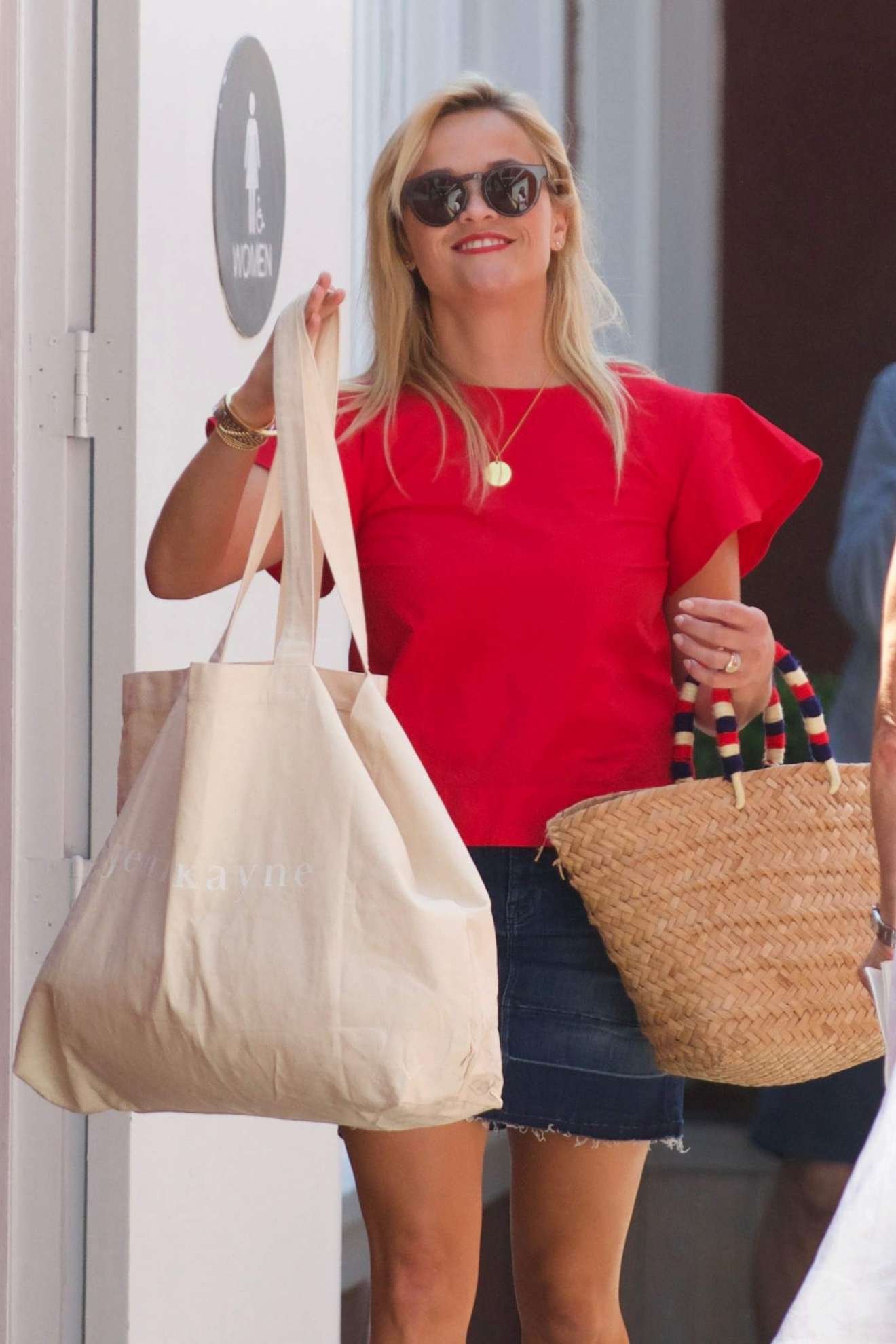Reese Witherspoon 2017 : Reese Witherspoon: Out in Los Angeles-25