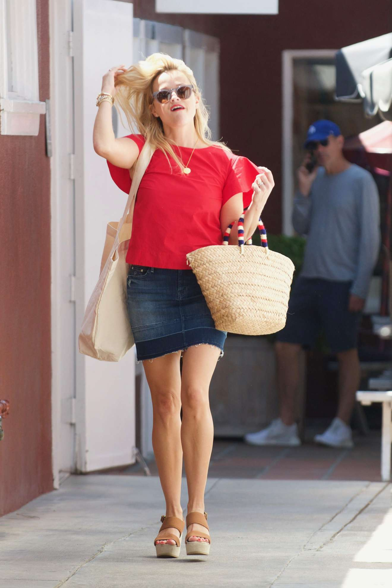Reese Witherspoon 2017 : Reese Witherspoon: Out in Los Angeles-26