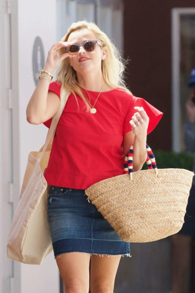 Reese Witherspoon: Out in Los Angeles-30