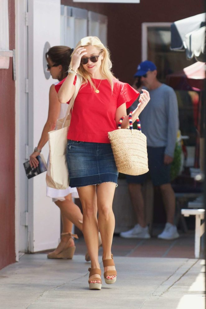 Reese Witherspoon: Out in Los Angeles-31