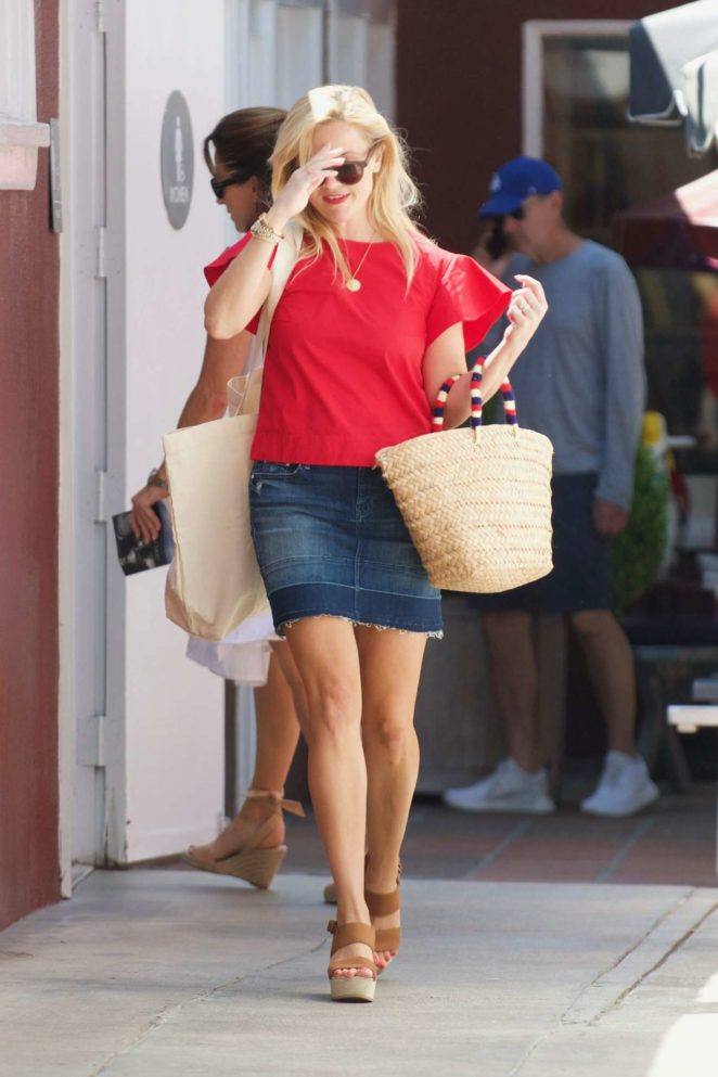 Reese Witherspoon 2017 : Reese Witherspoon: Out in Los Angeles-38