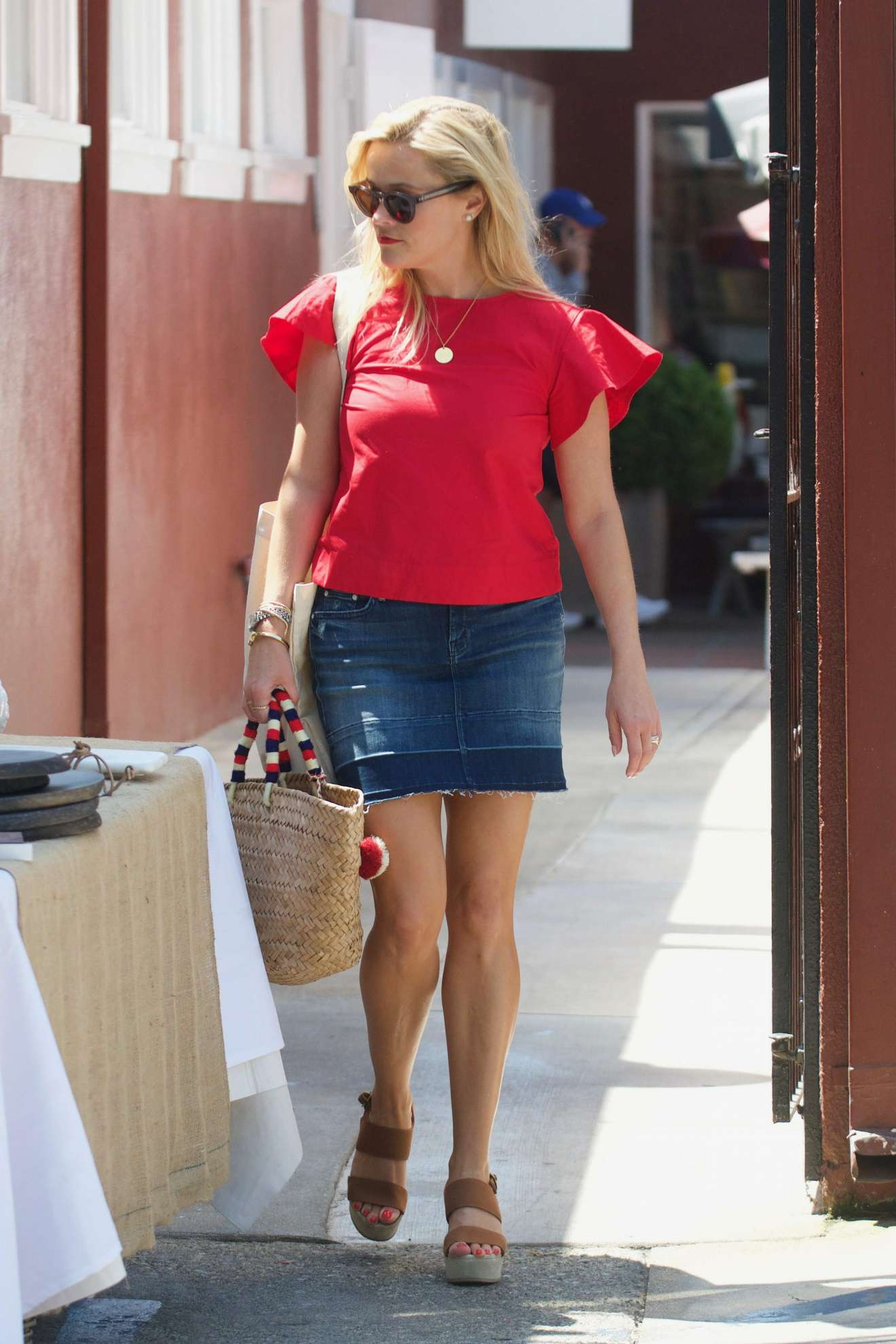 Reese Witherspoon 2017 : Reese Witherspoon: Out in Los Angeles-41
