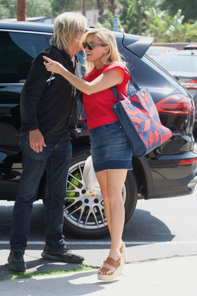 Reese Witherspoon: Out in Los Angeles-42