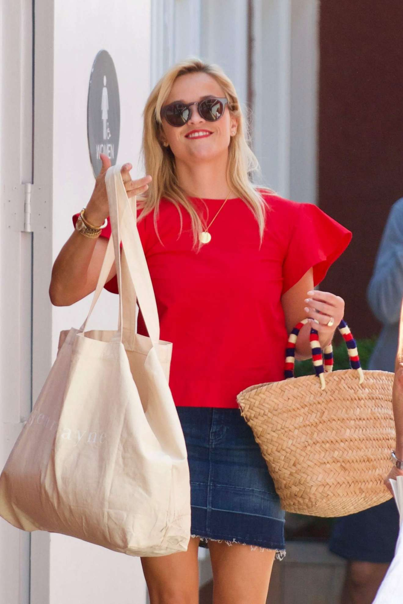 Reese Witherspoon 2017 : Reese Witherspoon: Out in Los Angeles-46