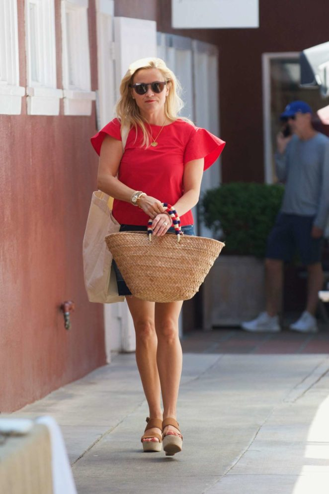 Reese Witherspoon 2017 : Reese Witherspoon: Out in Los Angeles-51