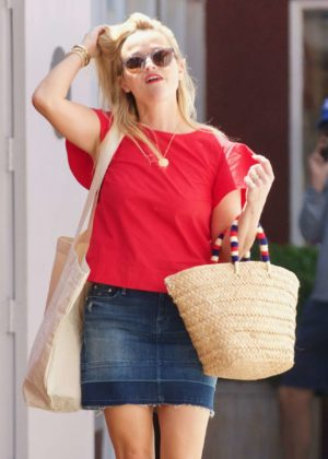 Reese Witherspoon - Out in Los Angeles