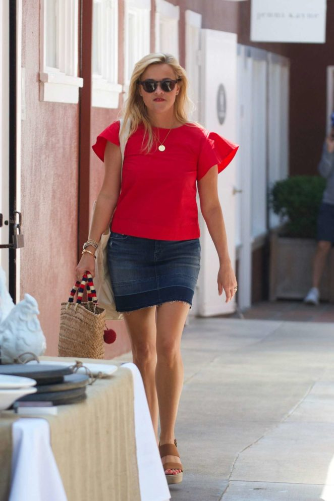 Reese Witherspoon: Out in Los Angeles-53