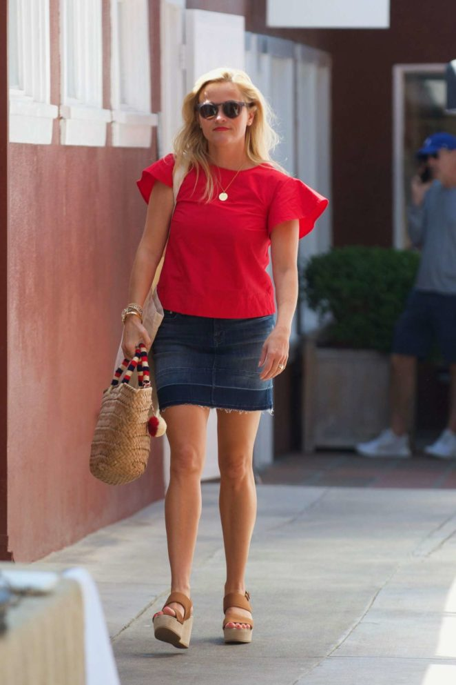 Reese Witherspoon: Out in Los Angeles-56