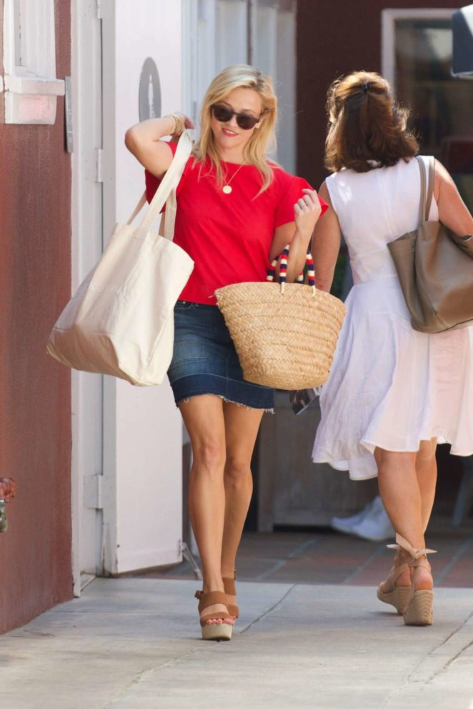 Reese Witherspoon 2017 : Reese Witherspoon: Out in Los Angeles-60