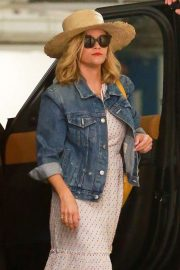 Reese Witherspoon - Out in Santa Monica