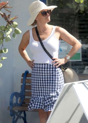 Reese Witherspoon - Out in Venice
