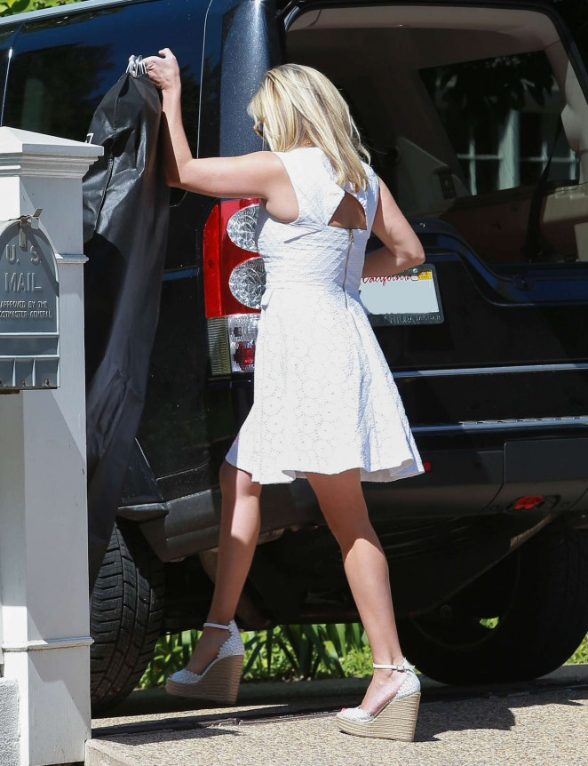 Reese Witherspoon – Party in Bel Air