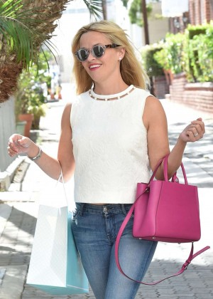 Reese Witherspoon in Jeans Shopping in Beverly Hills