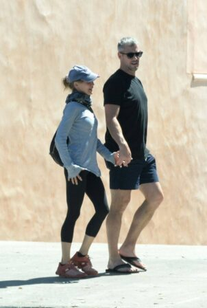 Renée Zellweger - With Ant Anstead Out in Laguna Beach