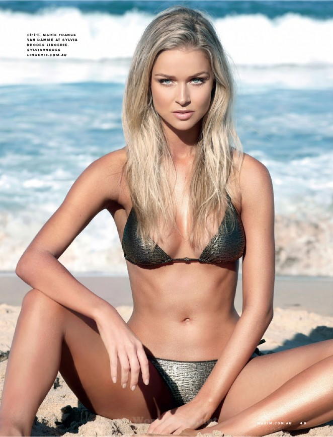 Renae Ayris - Maxim Australia Magazine (September 2015)