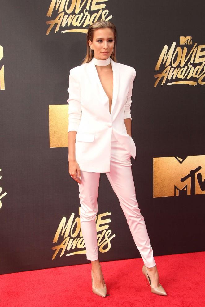 Renee Bargh: 2016 MTV Movie Awards -07
