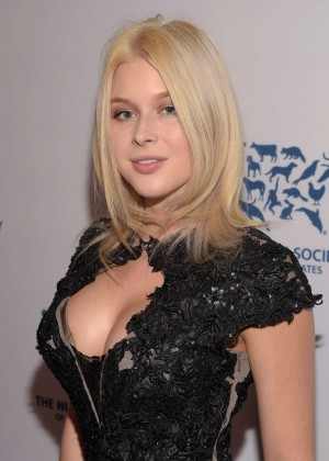 Renee Olstead - The Humane Society Los Angeles Benefit Gala in Beverly Hills