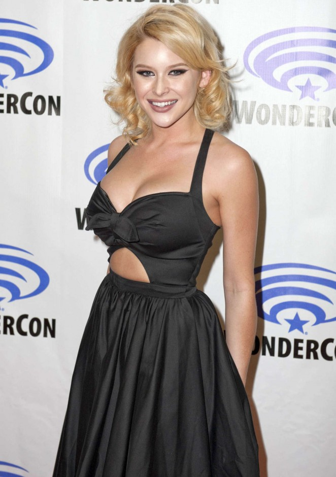 "Renee Olstead - ""Unfriended"" Premiere in NY"