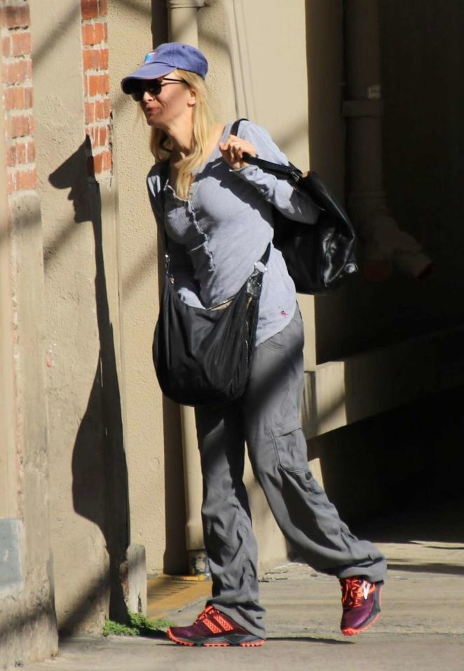 Renee Zellweger - Arriving at Jimmy Kimmel Live! in LA