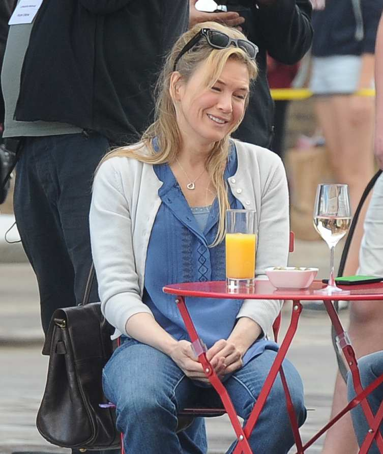 Renee Zellweger - Filming Bridget Jones Movie in Kings Cross