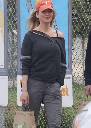 Renee Zellweger out in Venice